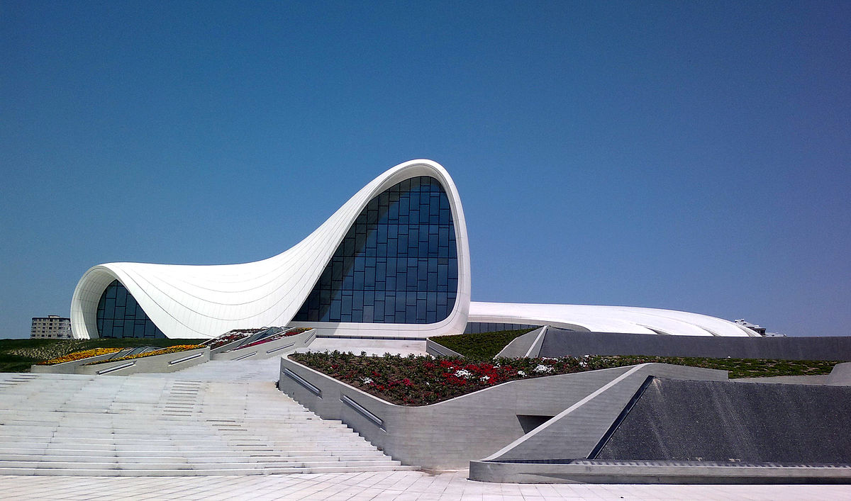 В Центре Гейдара Алиева откроется выставка французского скульптора Мауро Корда