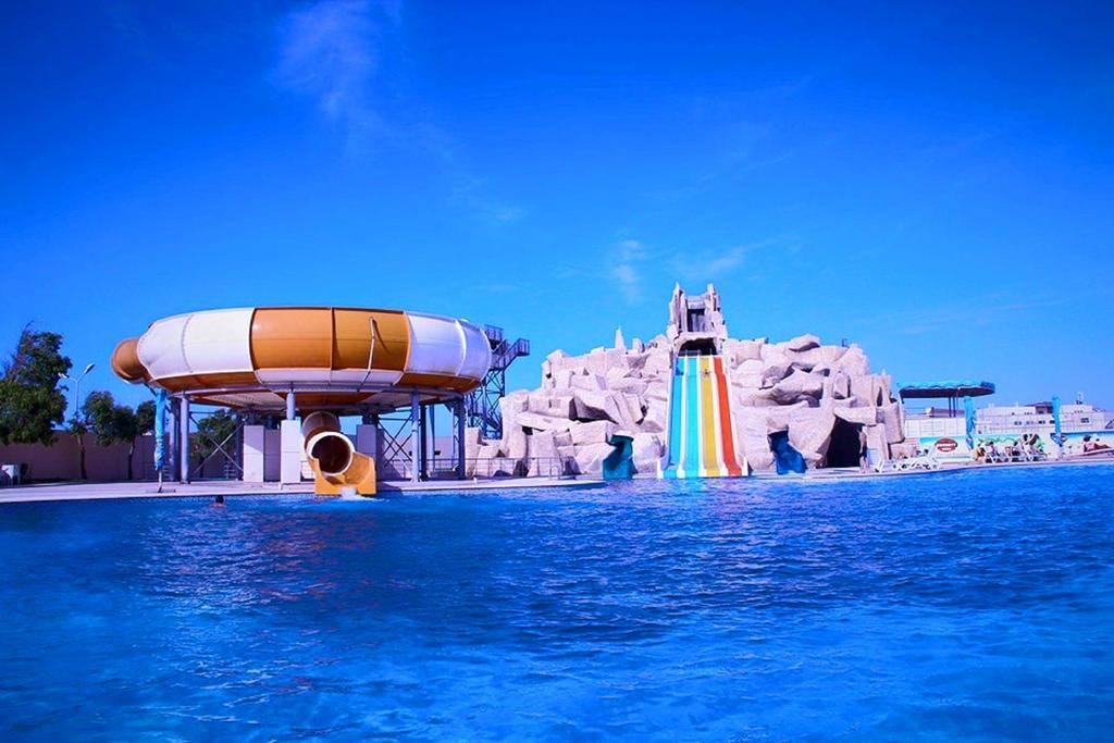 Aquapark Khazar Golden Beach