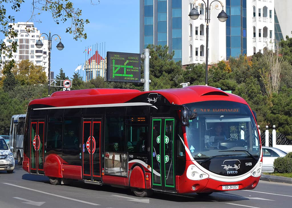 В Баку доставят еще 320 новых автобусов