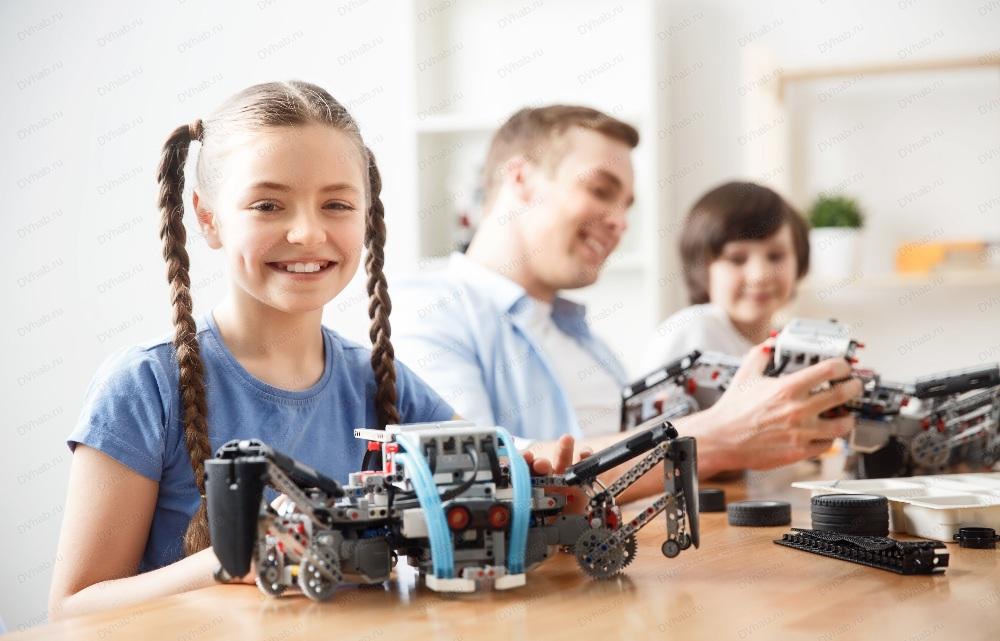 В азербайджанских школах откроются курсы робототехники