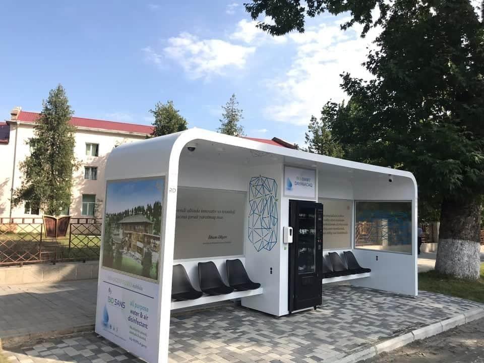 В Азербайджане установлена первая bio smart автобусная остановка
