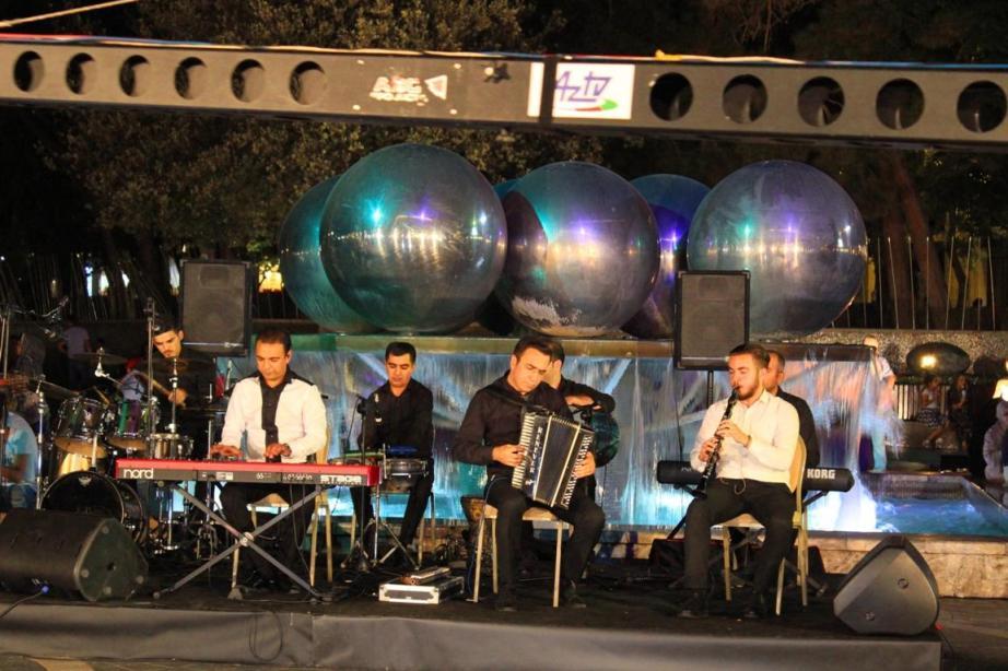 Вечера музыки на Площади фонтанов