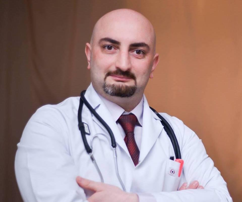 Врач-педиатрТарлан Аюбов о том, как правильно собрать аптечку в дорогу