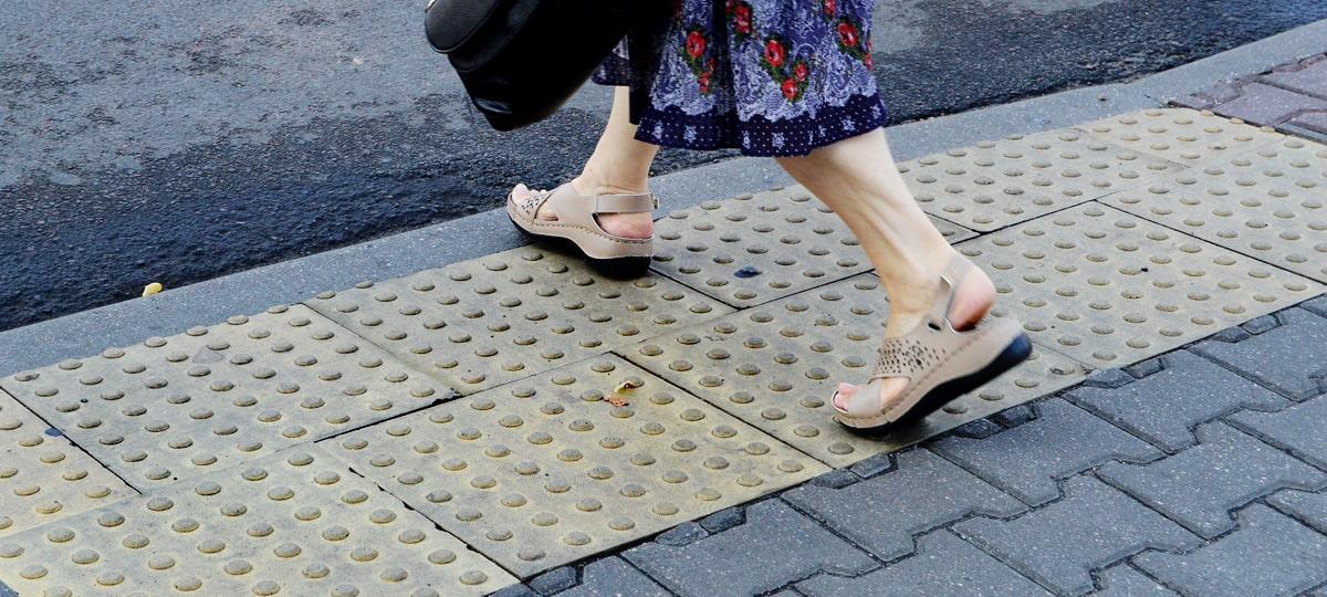 Новшество на тротуарах Баку для людей с нарушениями зрения
