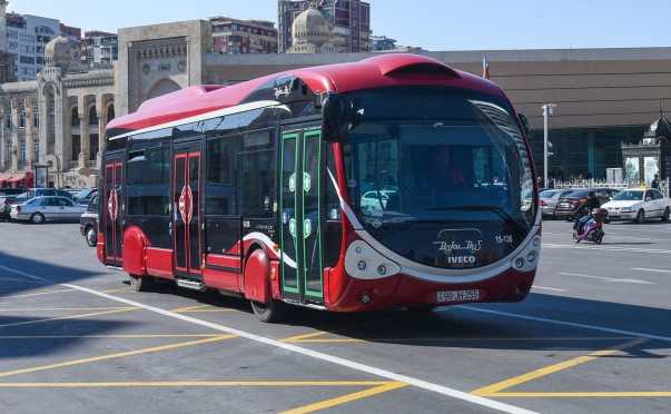 В Баку открыт новый автобусный маршрут