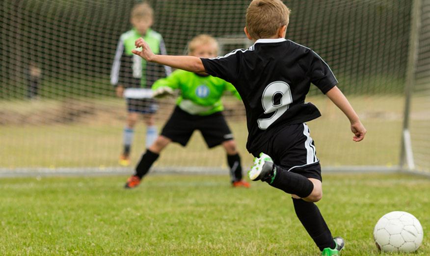 В Баку открывается детско-юношеская футбольная школа AZFAR