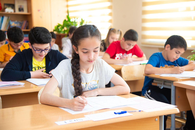 В школах Баку созданы классы с профессиональным уклоном