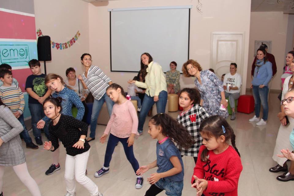 Открытые уроки рисования и танцев