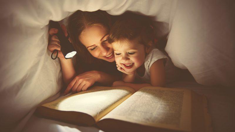 Как организовать семейный книжный клуб: 7 советов родителям