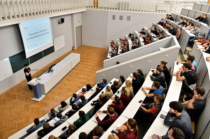 В вузах Азербайджана аннулировали десятки специальностей