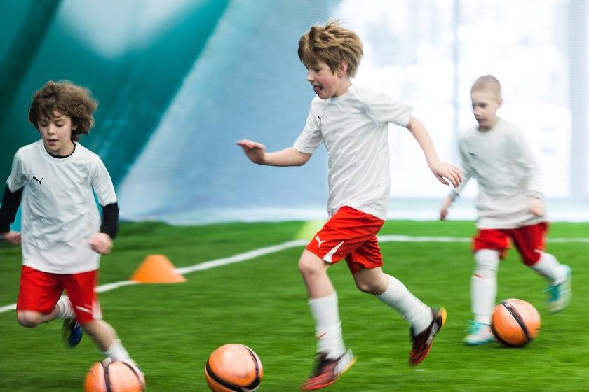 Соревнование по футболу для детей