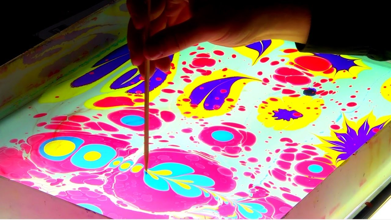"""Рисование на воде в """"Ebru Art Studio"""""""