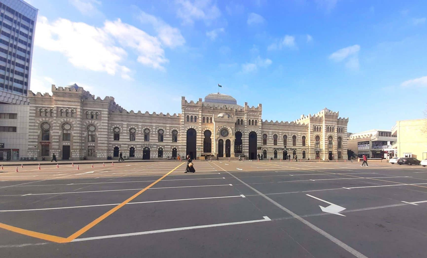 В центре Баку создана новая платная парковка