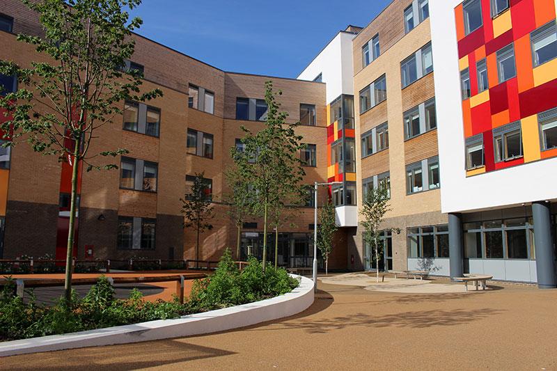 Летняя школа в Кембриджском колледже Abbey