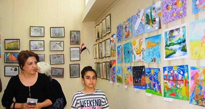 Фестиваль изобразительного творчества «Saf rənglər»