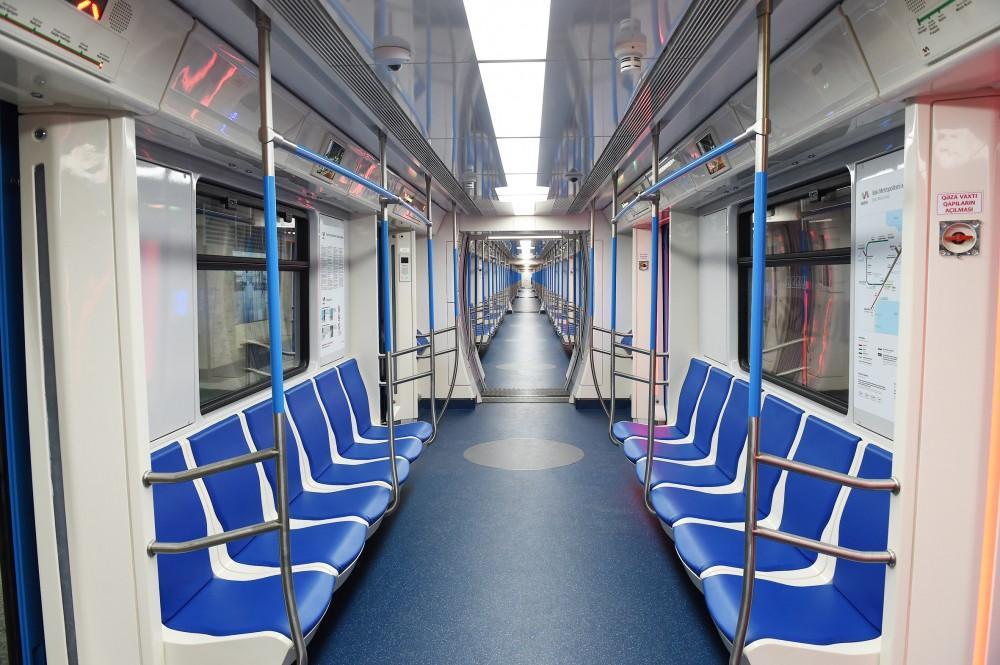 Бакинское метро возобновило работу