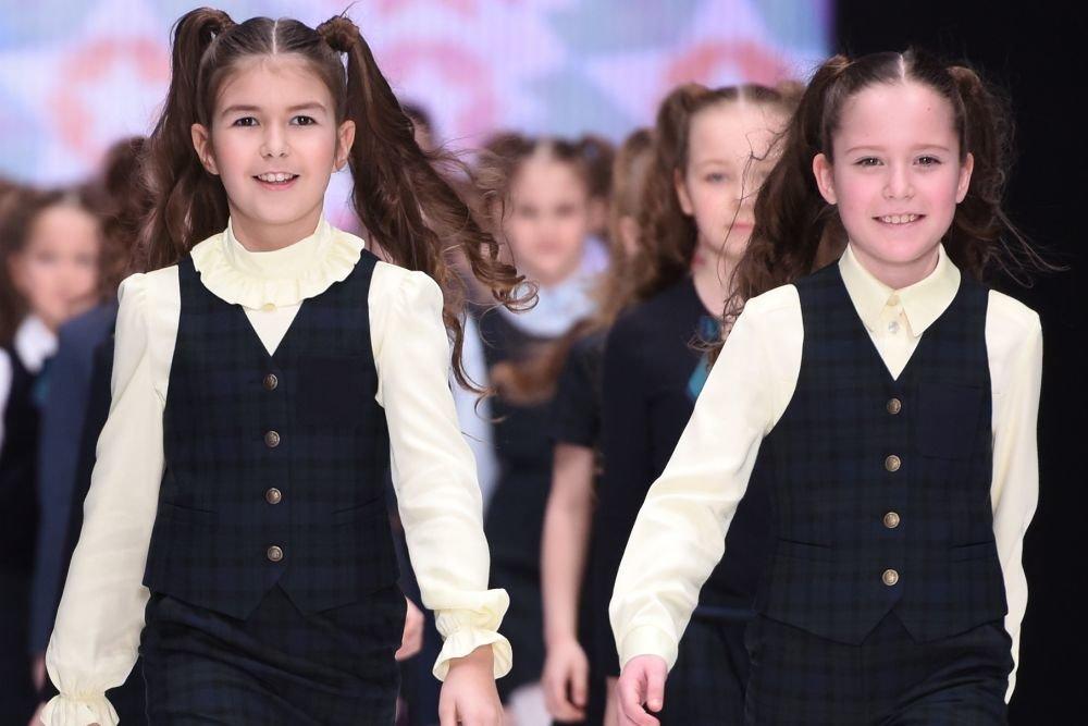 В Азербайджане учреждена единая школьная форма