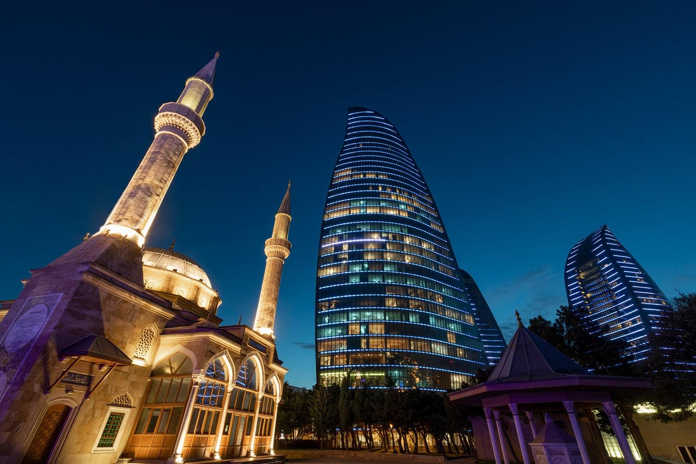 В Баку появился 2GIS — карта города и справочник организаций
