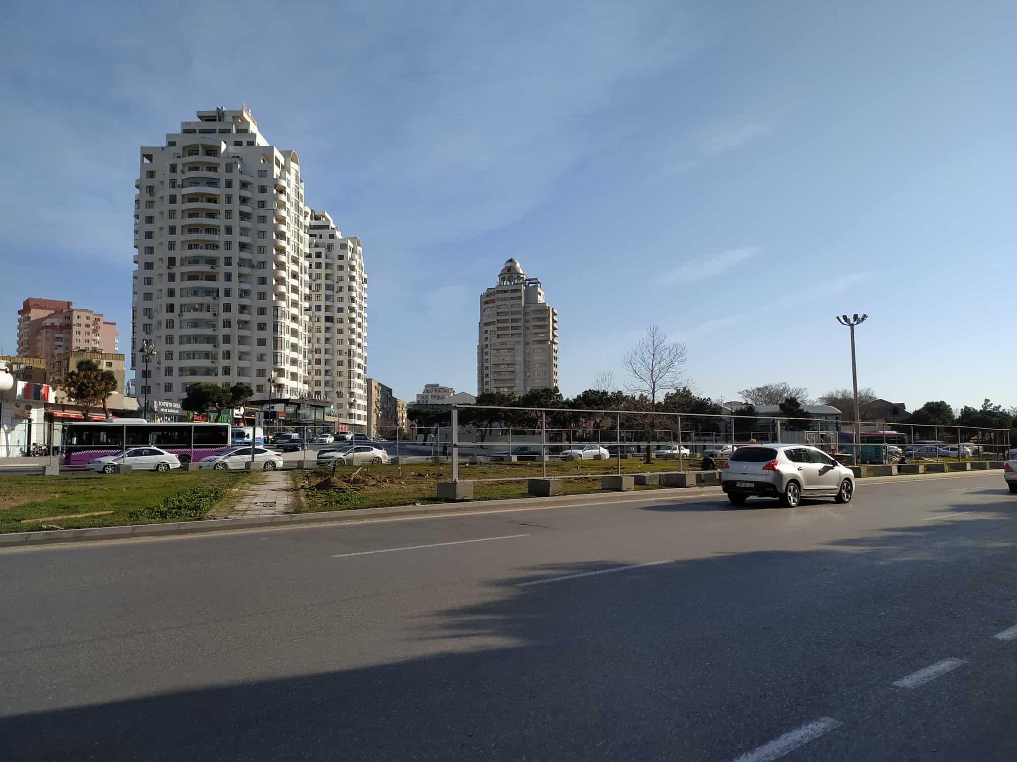 В Баку строят уникальный пешеходный переход-«звезду»