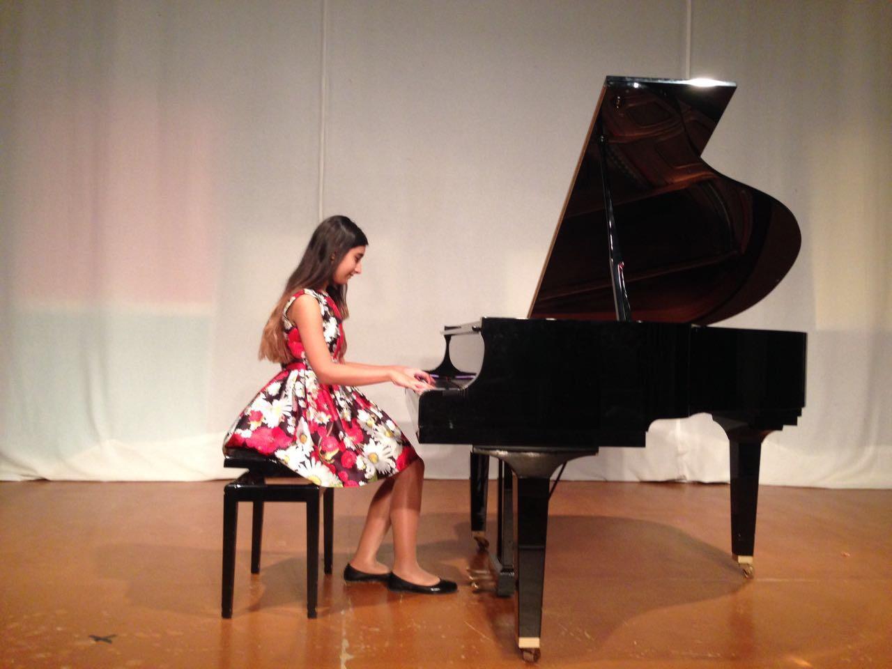 13-летняя азербайджанка выиграла международный музыкальный конкурс