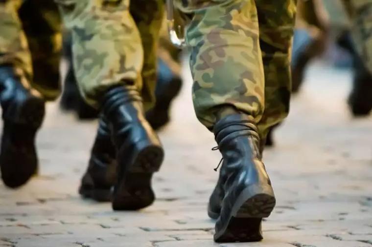 В Азербайджане снижен возраст постановки на воинский учет