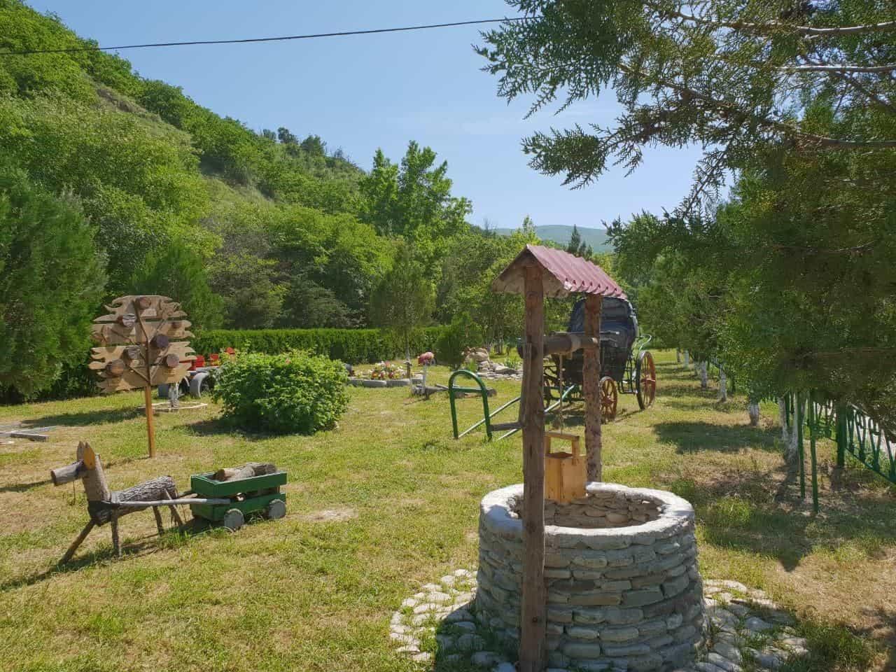 В национальных парках отведены места для пикников