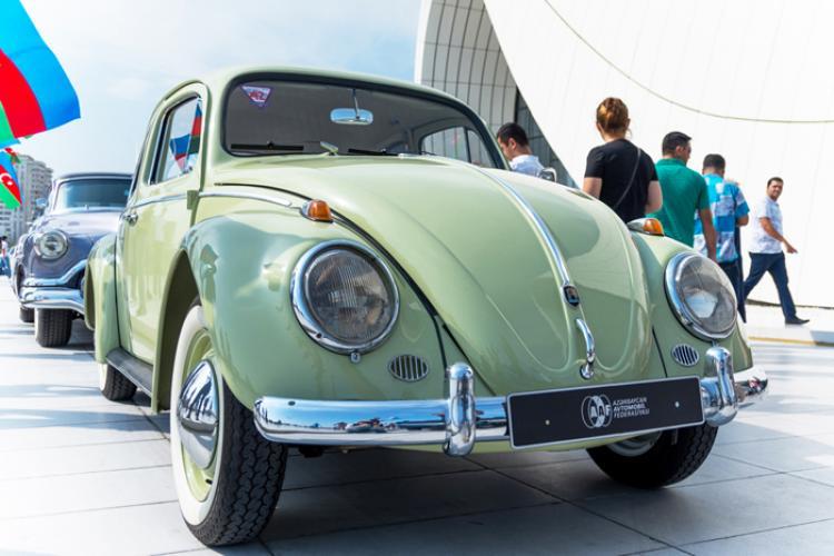 Выставка и парад классических автомобилей