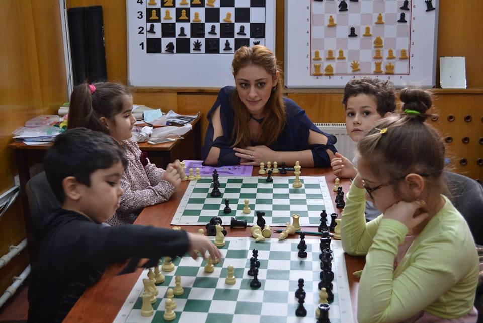 "Шахматная школа ""AĞ AT"""