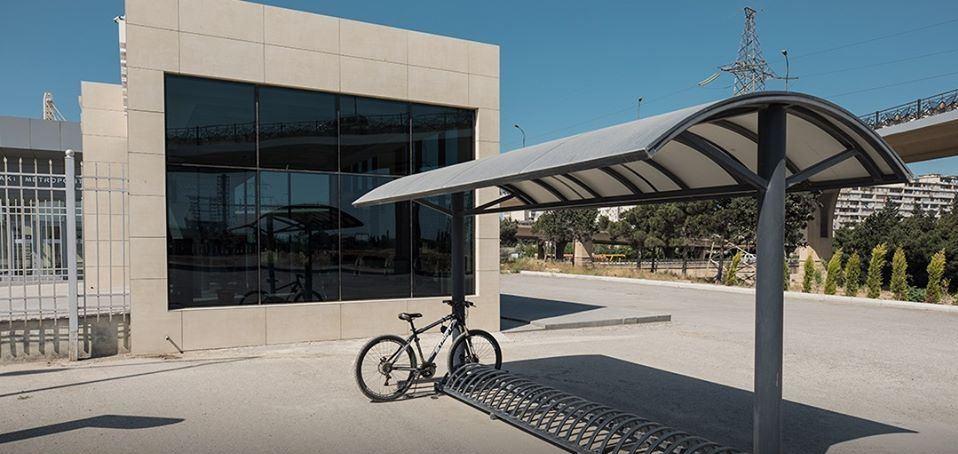В Баку на ж/д станциях установлены бесплатные велопарковки