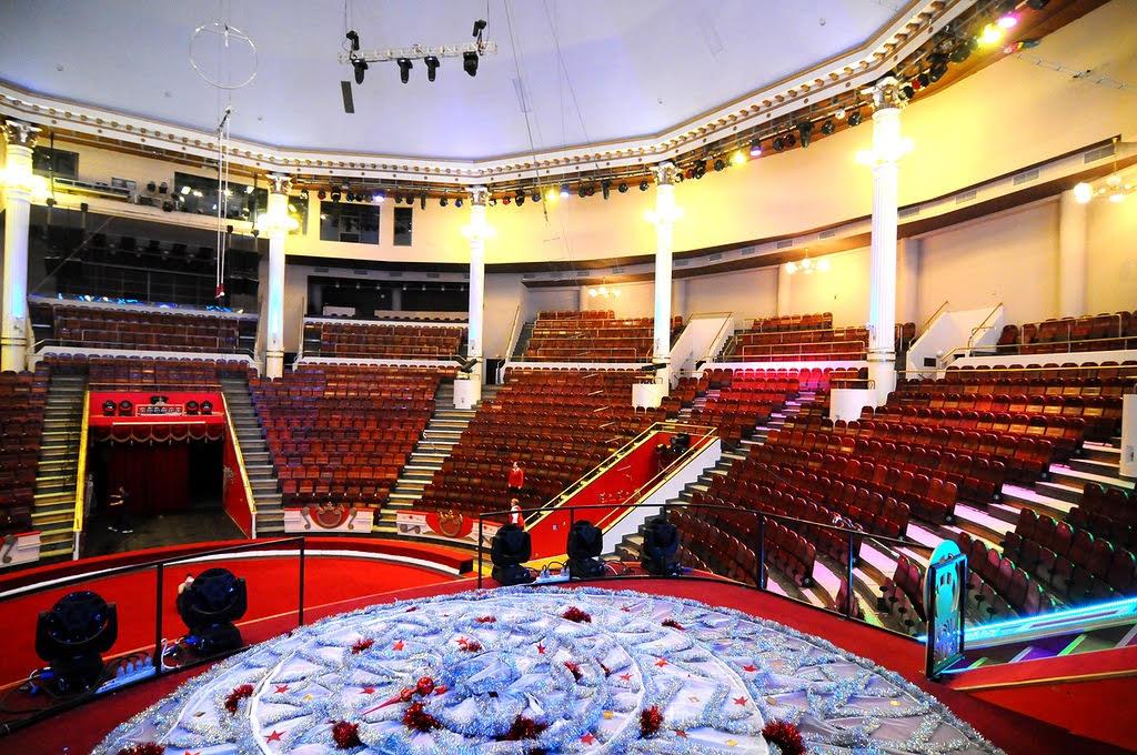 Шоу «Ледовое Королевство» на арене Бакинского цирка