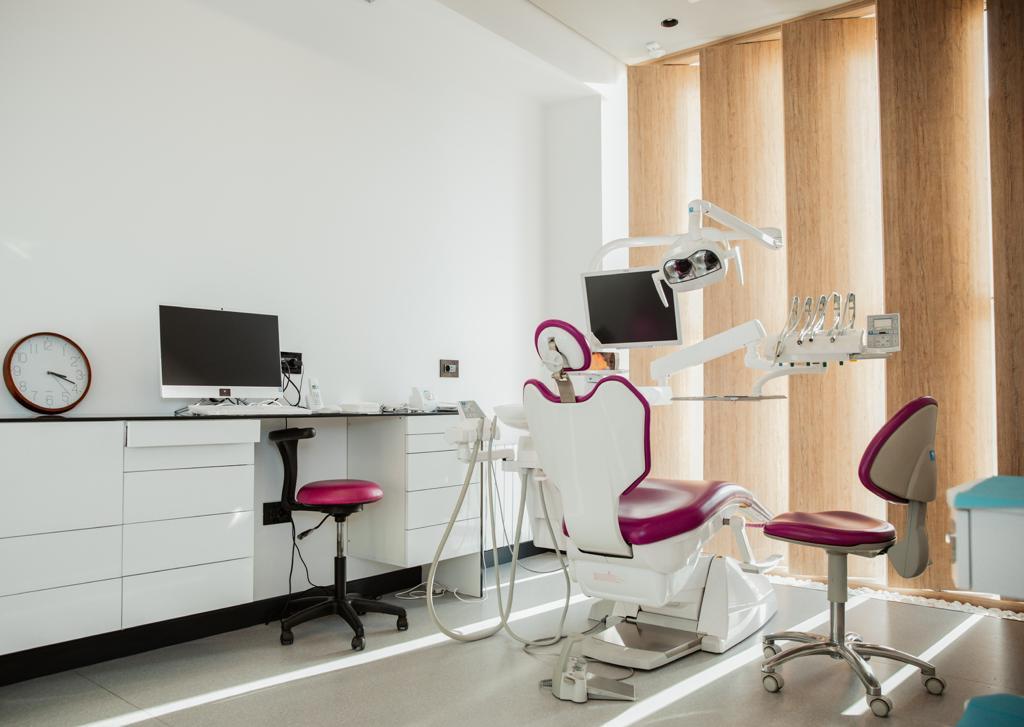 V. A. Dent Estetik Klinika