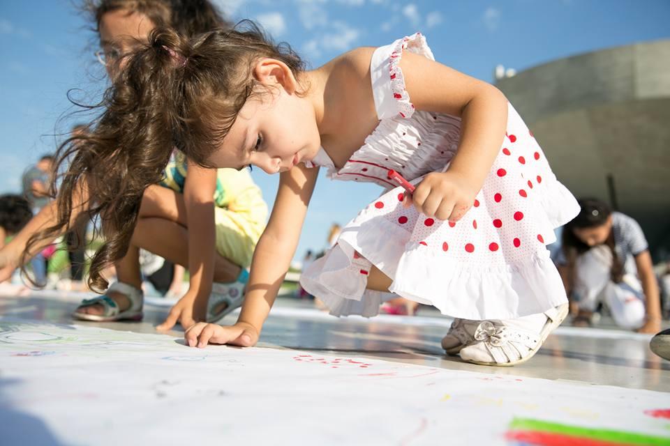 Детский фестиваль в парке Центра Г. Алиева