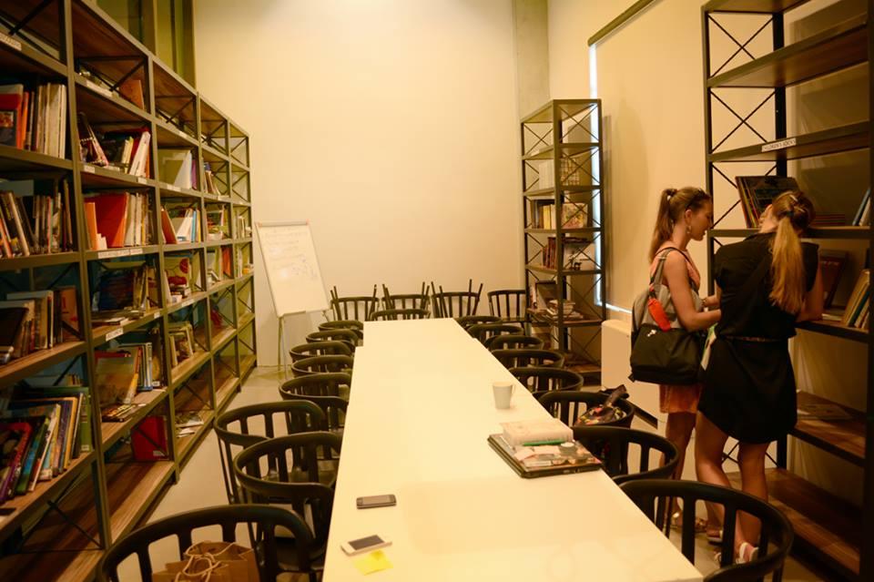 """Центр современного искусства """"YARAT"""""""