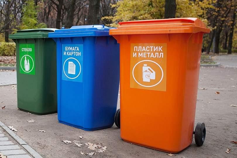 В Баку доставлены более 1500 новых контейнеров для бытовых отходов