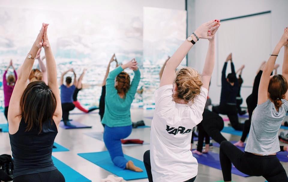 Занятия по йоге в