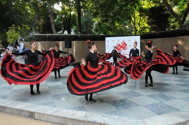 Музыкальные выходные на площади фонтанов