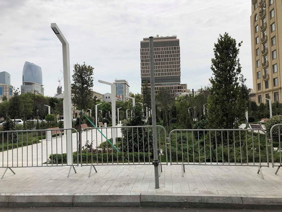 В центре Баку новый парк готов к открытию