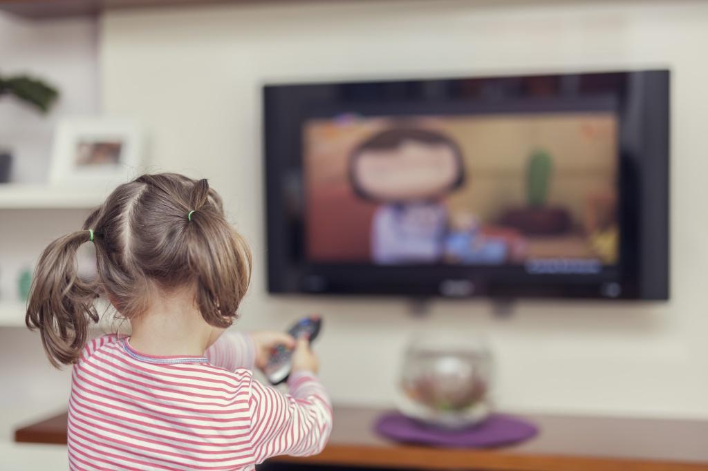 В Азербайджане проведут телеуроки для детей с нарушением слуха