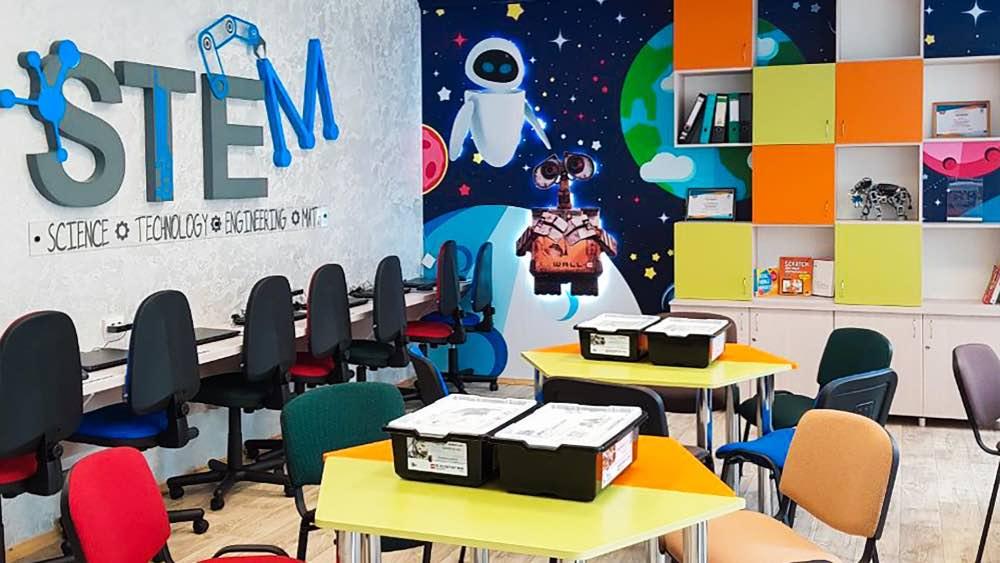 Азербайджанские школьники начнут изучать робототехнику и кибернетику как отдельную дисциплину