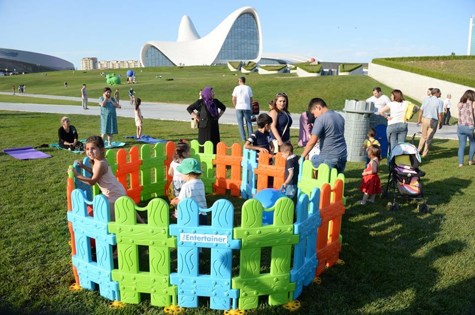 Мероприятия для детей в парке Центра Г. Алиева