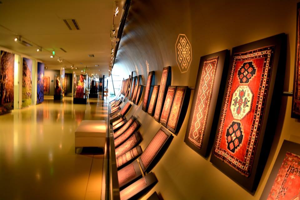 Выставка для слабовидящих в Музее ковра